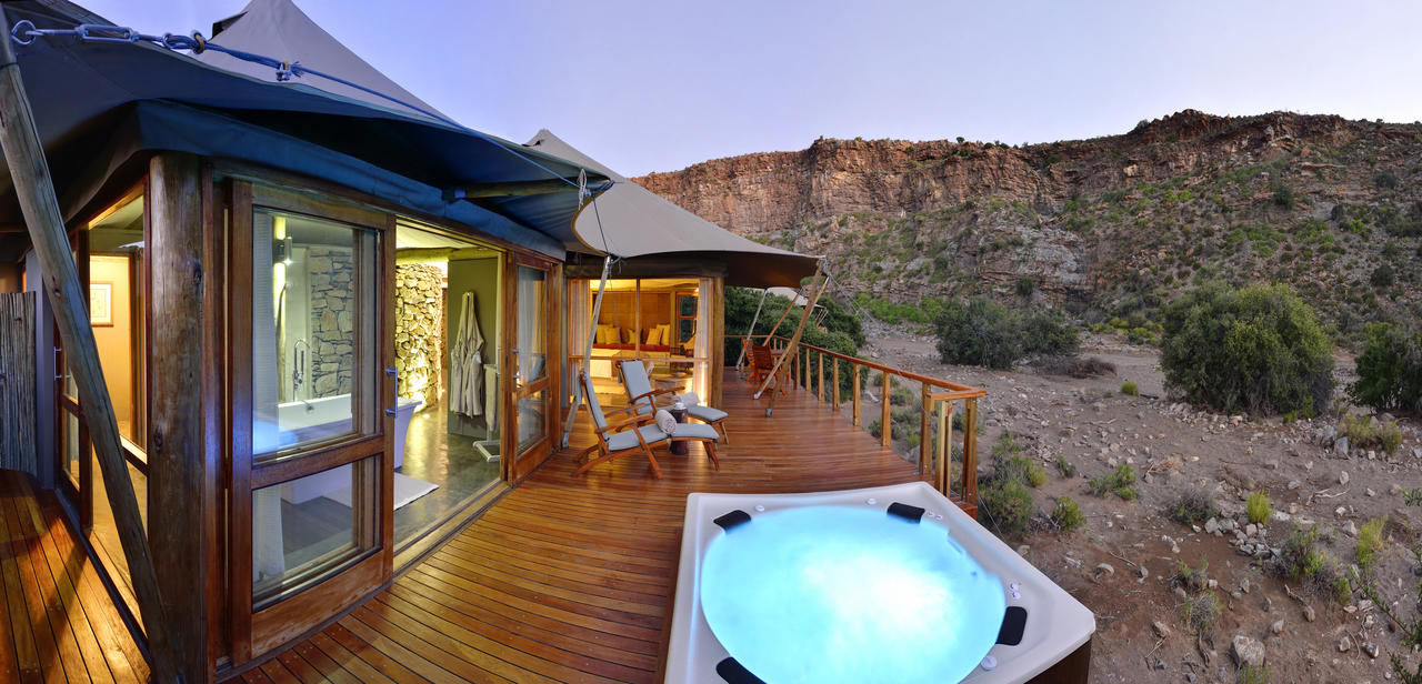 Luxury-sanbona-safari-camp